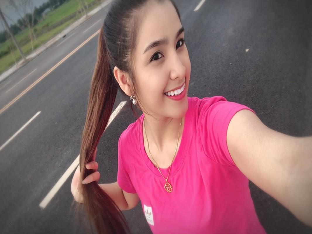 Hoa hau Lao tra vuong mien, soi nhan sac co gai the ngoi-Hinh-7