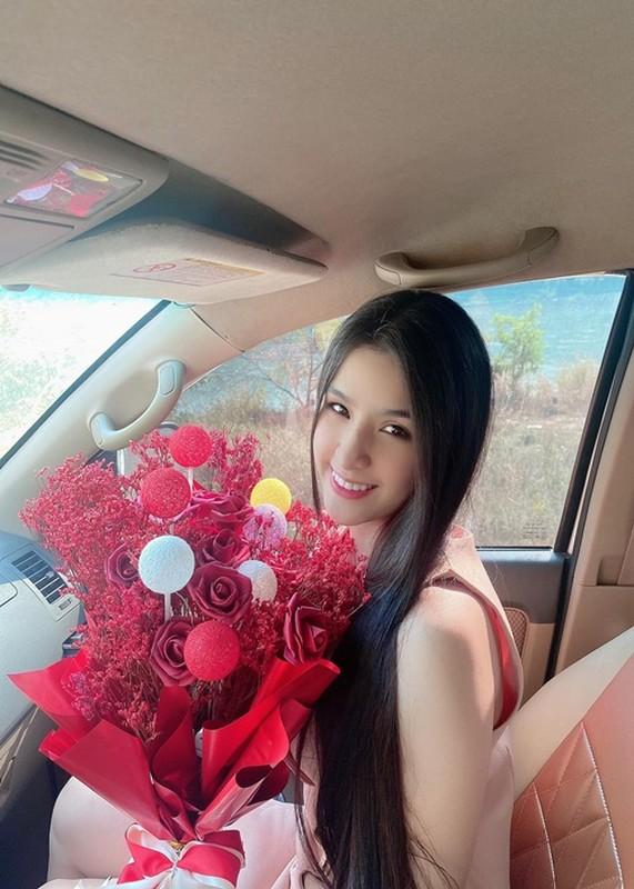Hoa hau Lao tra vuong mien, soi nhan sac co gai the ngoi-Hinh-9