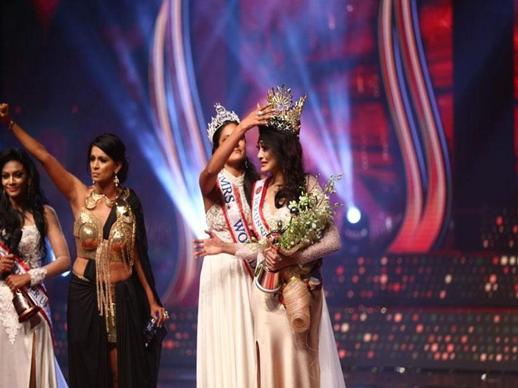 Bi giat vuong mien khi dang quang, Hoa hau Sri Lanka doa kien-Hinh-4