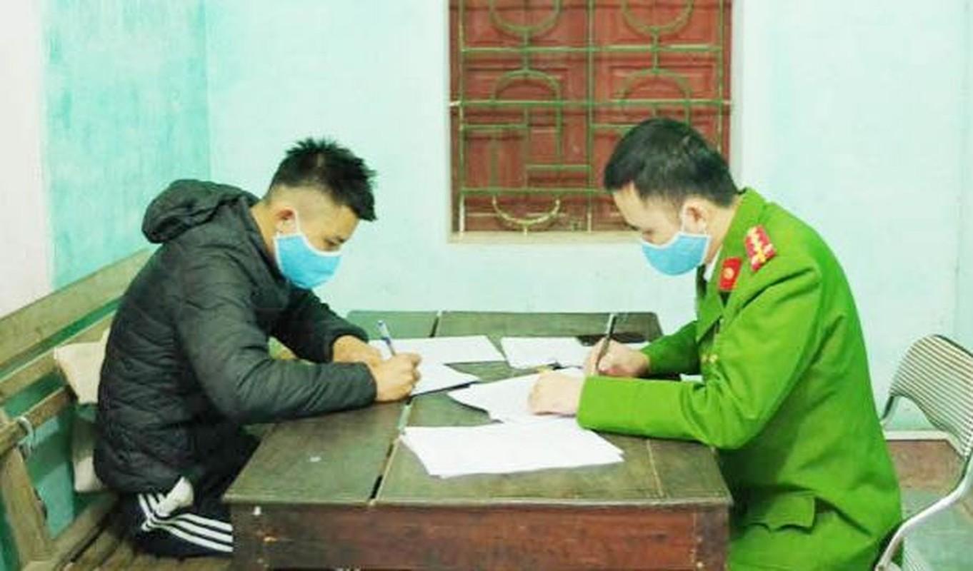 Tin nong ngay 1/2: Giang chuc Hieu truong Truong Tieu hoc Tran Van On-Hinh-7