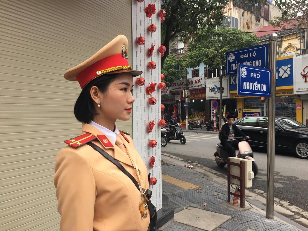 Nu CSGT Hai Duong xinh dep xuong duong, dan chap hanh nghiem-Hinh-6