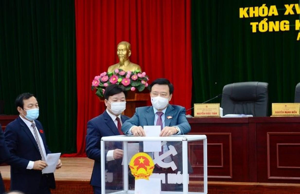 Tan Chu tich Hoi dong nhan dan tinh Hai Duong la ai?-Hinh-2