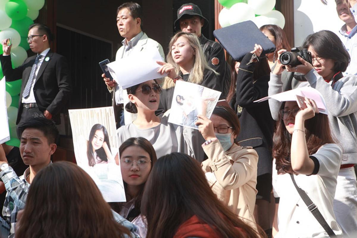 Kim Tae Hee duoc dua don bang xe sang, fan vay kin o HN-Hinh-11