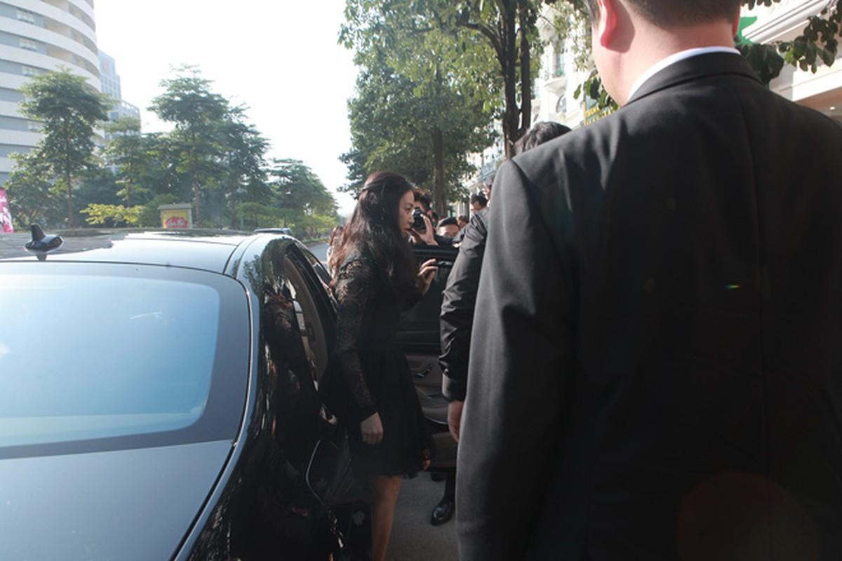 Kim Tae Hee duoc dua don bang xe sang, fan vay kin o HN-Hinh-2
