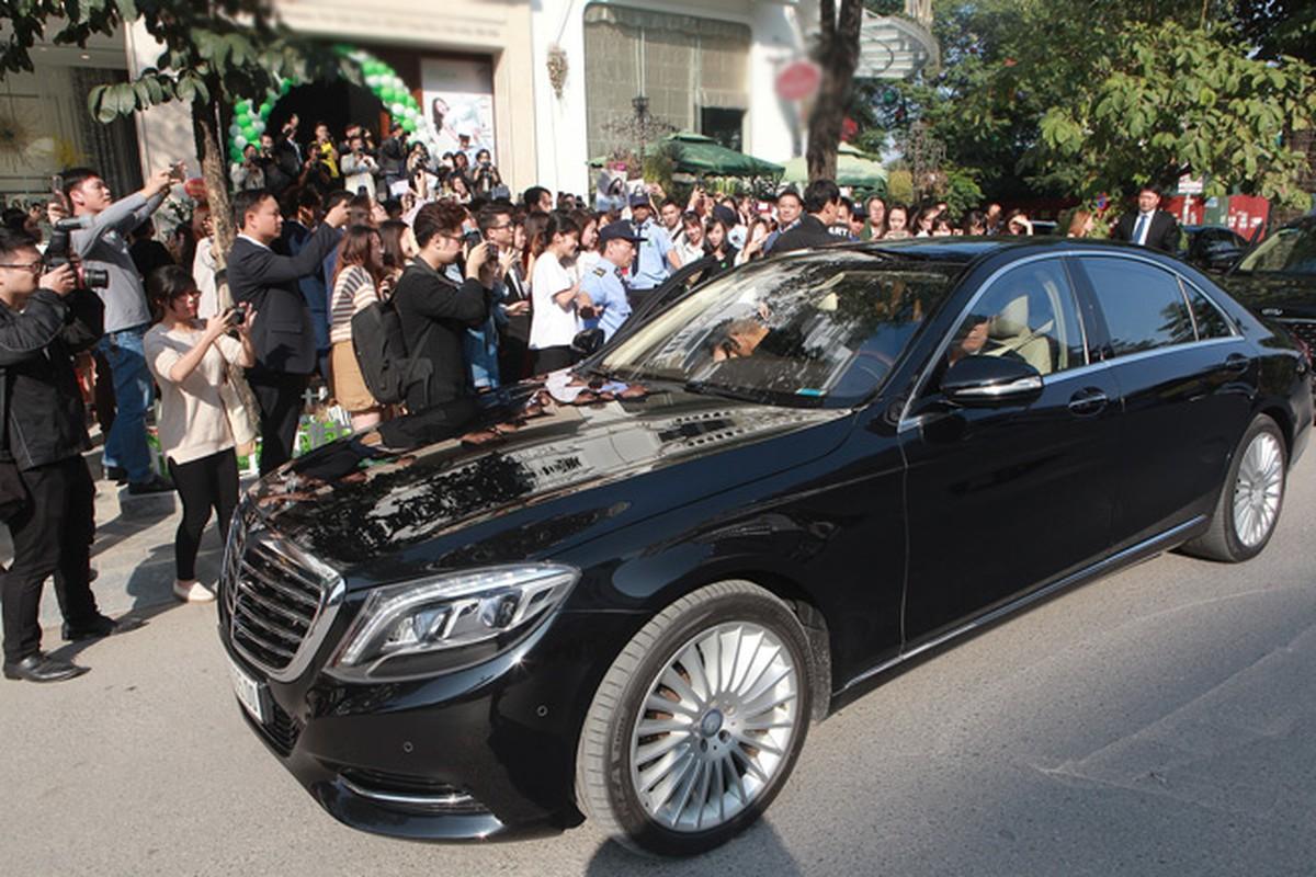 Kim Tae Hee duoc dua don bang xe sang, fan vay kin o HN