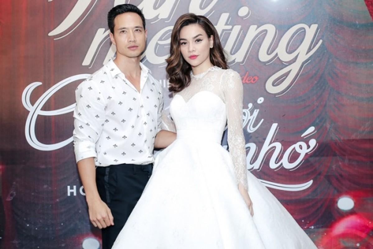 Phong cach thoi trang chat lu cua Kim Ly khi sanh ben Ha Ho-Hinh-2