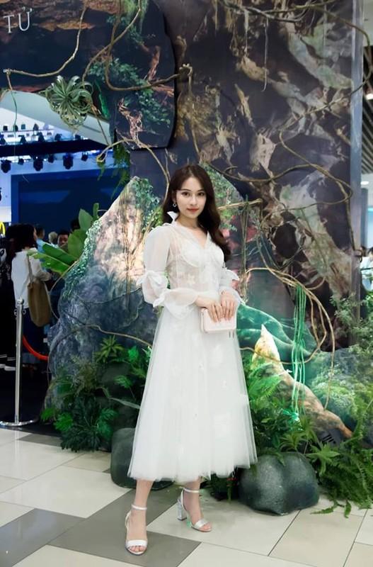 Gu thoi trang sang chanh cua ban gai moi Duong Khac Linh-Hinh-11