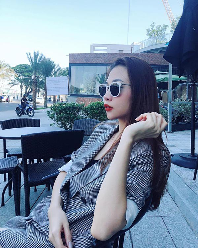 """Phong cach thoi trang """"len doi"""" cua Dam Thu Trang, ban gai Cuong Do La-Hinh-10"""