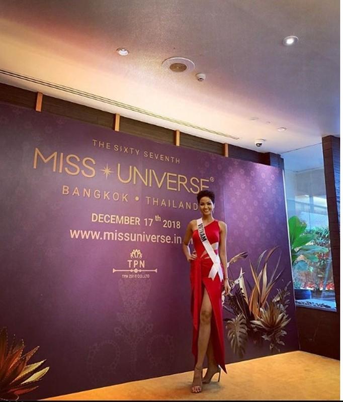 Nhung trang phuc gay an tuong cua Hoa hau H'Hen Nie tai Miss Universe 2018-Hinh-11