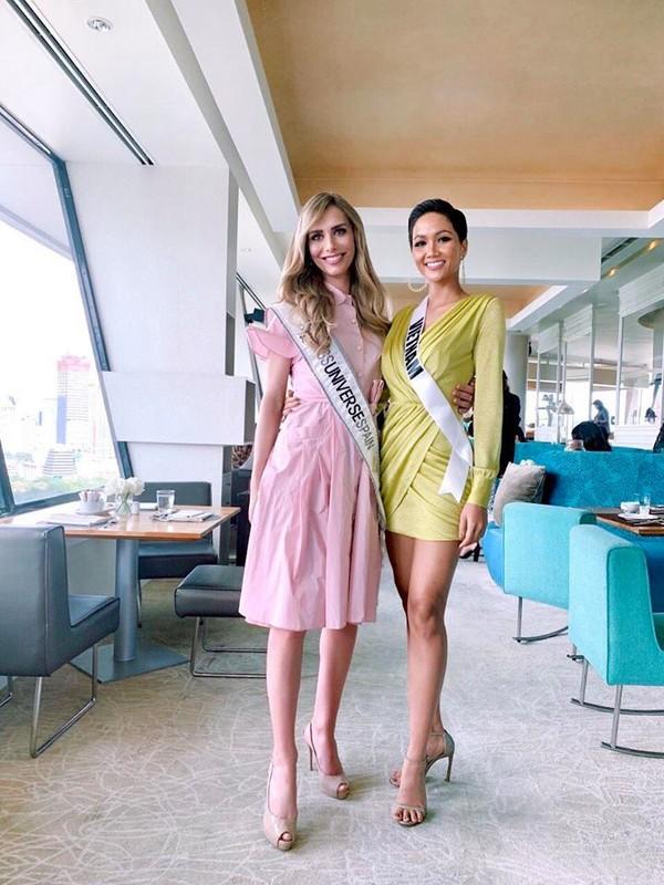 Nhung trang phuc gay an tuong cua Hoa hau H'Hen Nie tai Miss Universe 2018-Hinh-5