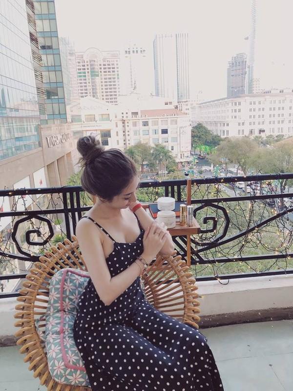 Khong Tu Quynh ngay cang mac goi cam sau chia tay Ngo Kien Huy-Hinh-4