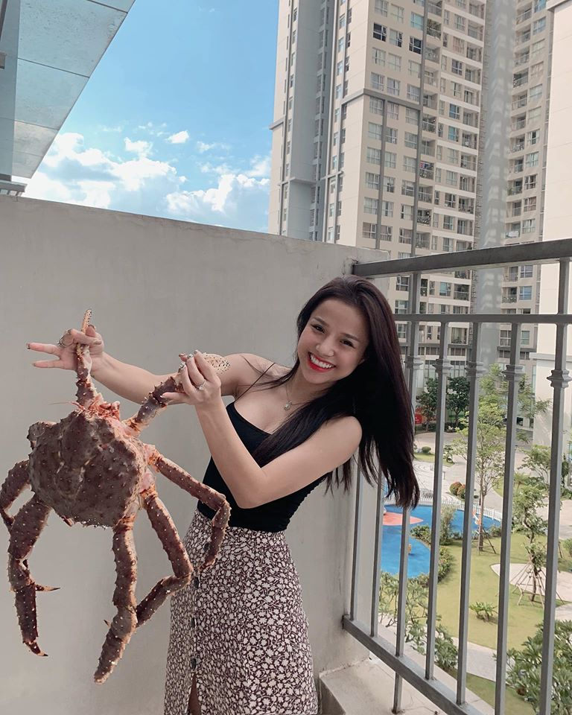 Khong ngo ban gai cu cua thu mon Van Lam an mac nong bong den vay-Hinh-11