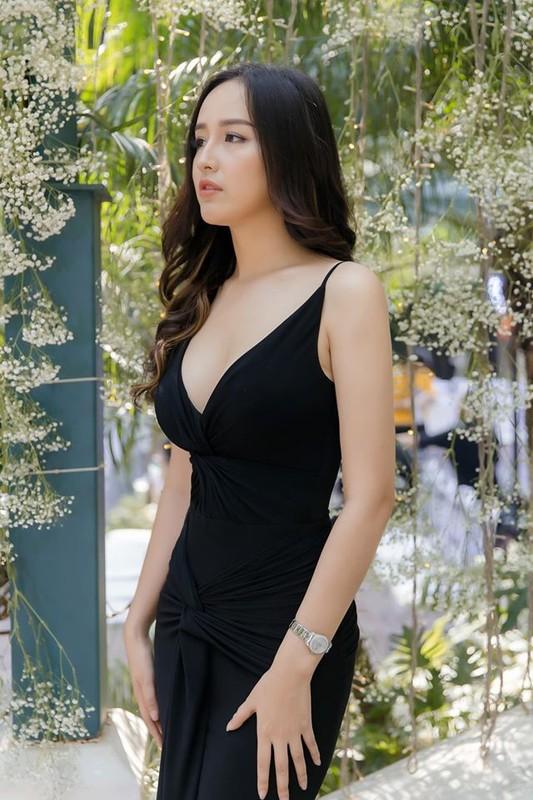 Mai Phuong Thuy ngay cang xinh dep va an mac goi cam-Hinh-10