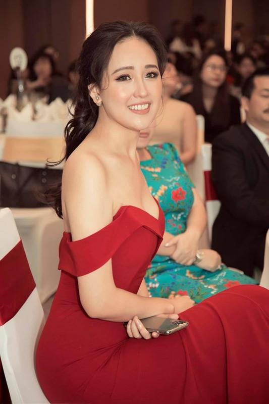 Mai Phuong Thuy ngay cang xinh dep va an mac goi cam-Hinh-11