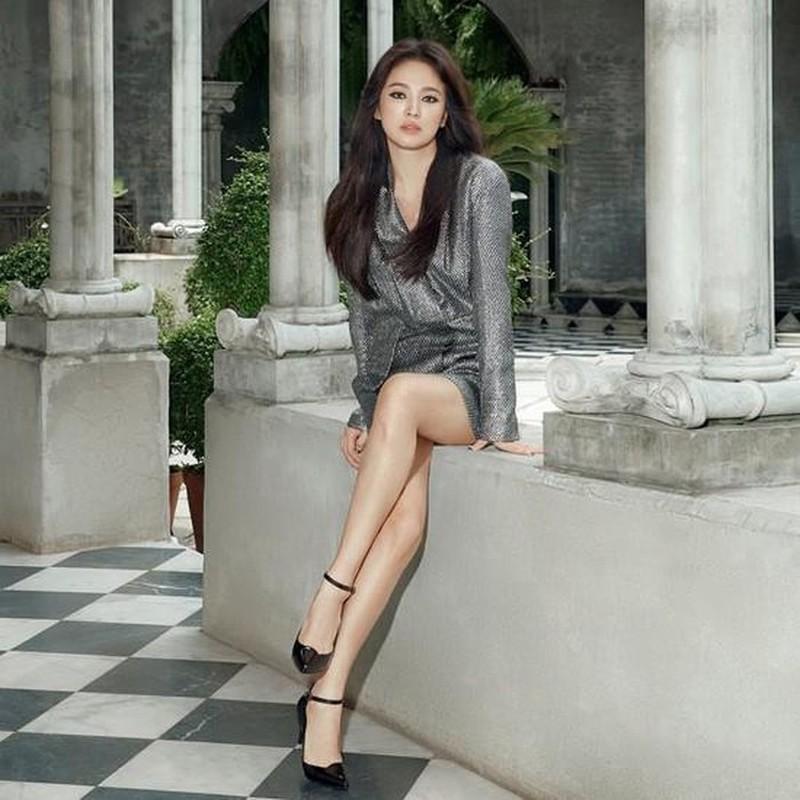 "Hau ly hon, Song Hye Kyo ""dot mat"" nguoi nhin boi phong cach thoi trang goi cam-Hinh-9"