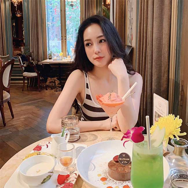 Nu tiep vien hang khong Bamboo an mac goi cam vo cung khi roi dong phuc bay-Hinh-3