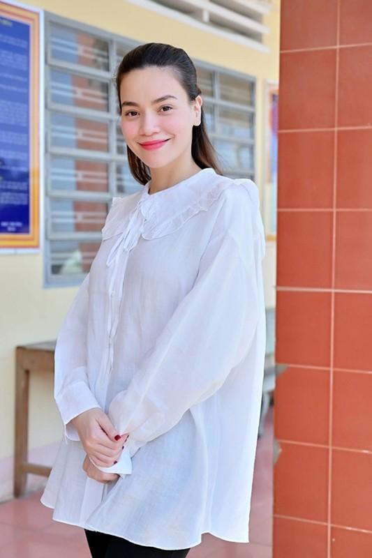 """""""Do"""" thoi trang bau sanh dieu nhat nhi showbiz cua Ha Ho - Dong Nhi-Hinh-14"""