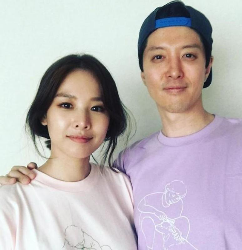 Thoi trang an y cua vo chong Lee Dong Gun truoc khi ly hon-Hinh-6