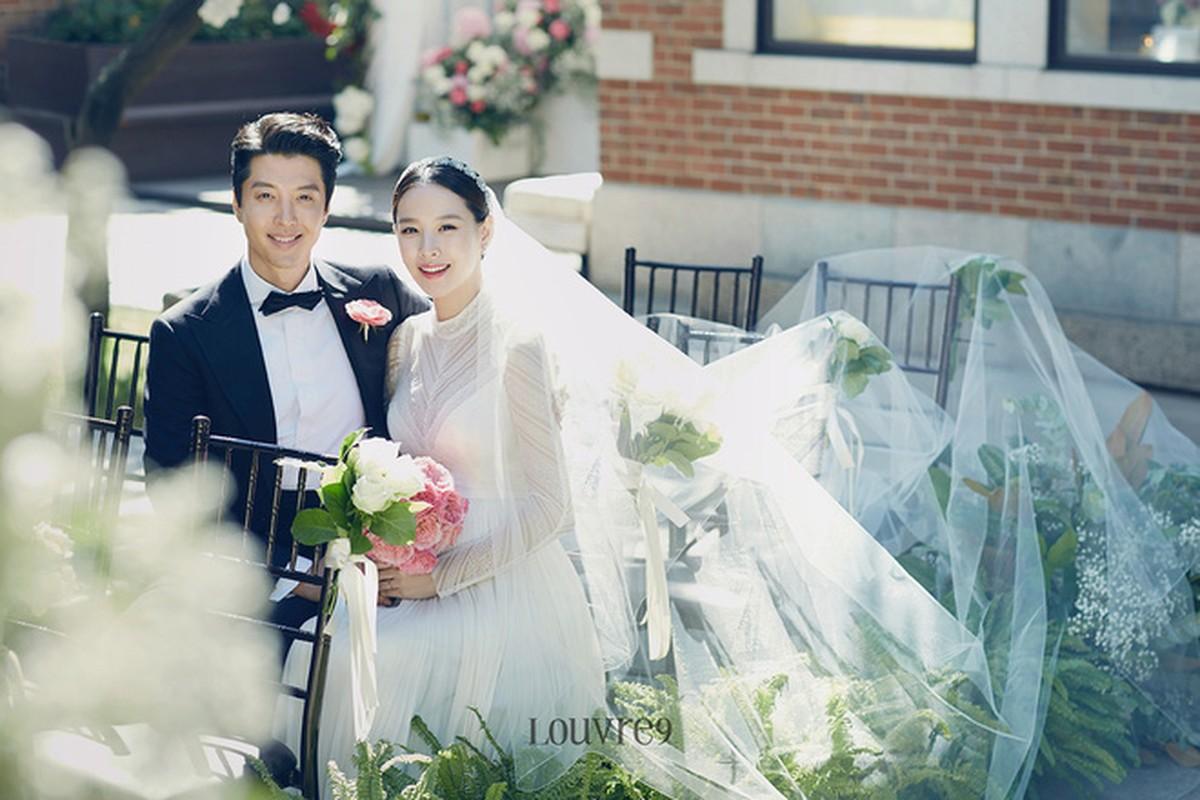 Thoi trang an y cua vo chong Lee Dong Gun truoc khi ly hon