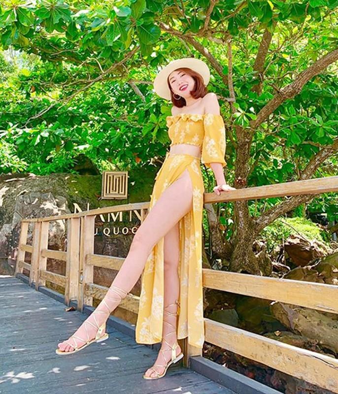 My nhan Viet dien vay xe cao qua hong tao bao gay tranh cai-Hinh-4