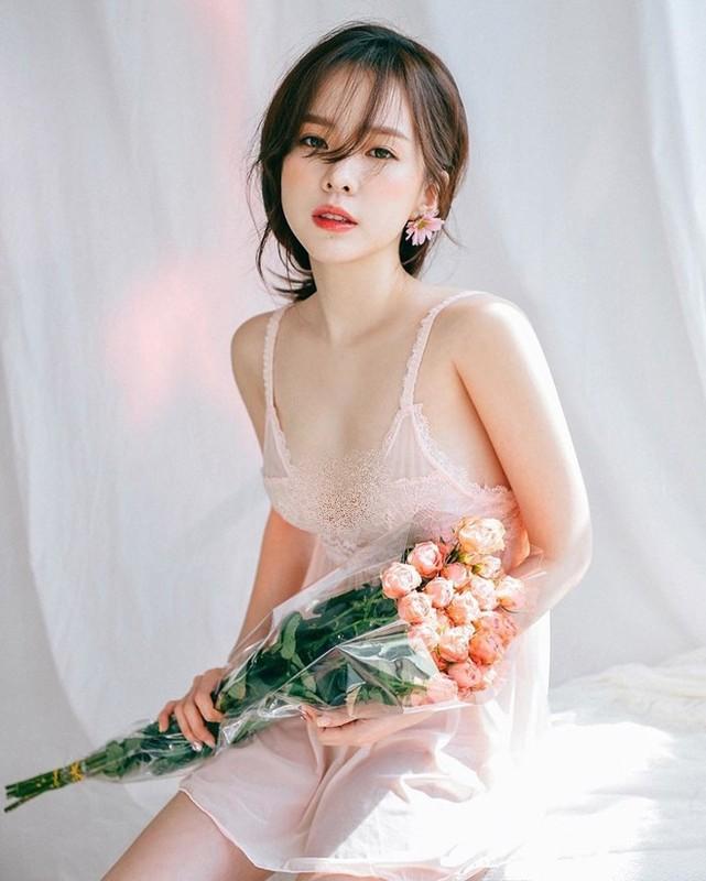 Phong cach thoi trang ngot ngao cua co chu shop noi y Han Quoc-Hinh-4