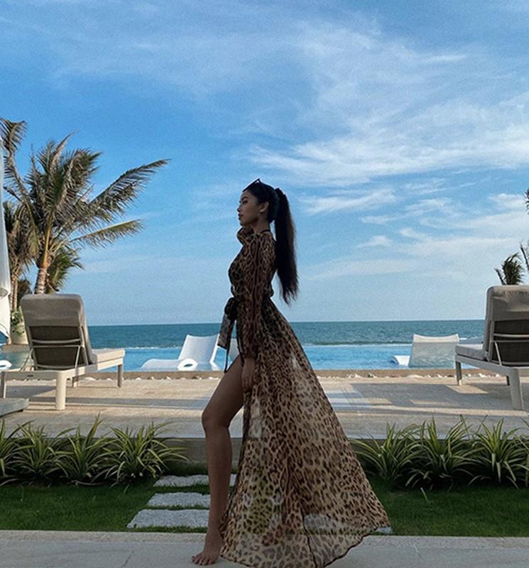 Hoc sao Viet mix ao choang cung bikini di bien vua sexy vua sang chanh-Hinh-4