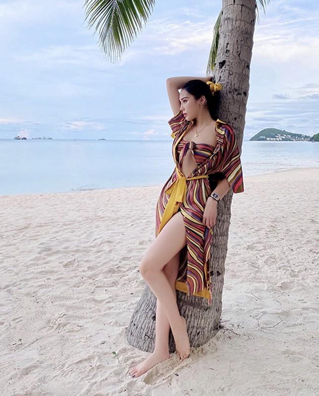 Hoc sao Viet mix ao choang cung bikini di bien vua sexy vua sang chanh-Hinh-5