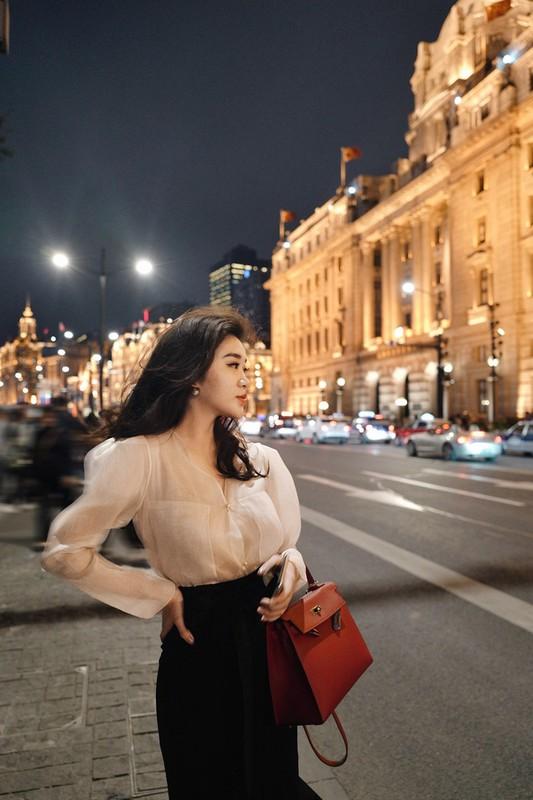 Phong cach thoi trang sanh dieu cua hot girl Lao tung hoc Ngoai thuong-Hinh-12