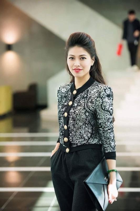 Gu thoi trang sang chanh, sanh dieu cua BTV Ngoc Trinh dai VTV-Hinh-7