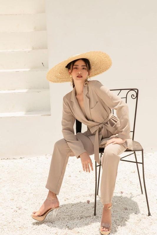 """Hot girl Viet lot """"top 100 guong mat dep nhat the gioi"""" an mac sanh dieu-Hinh-10"""