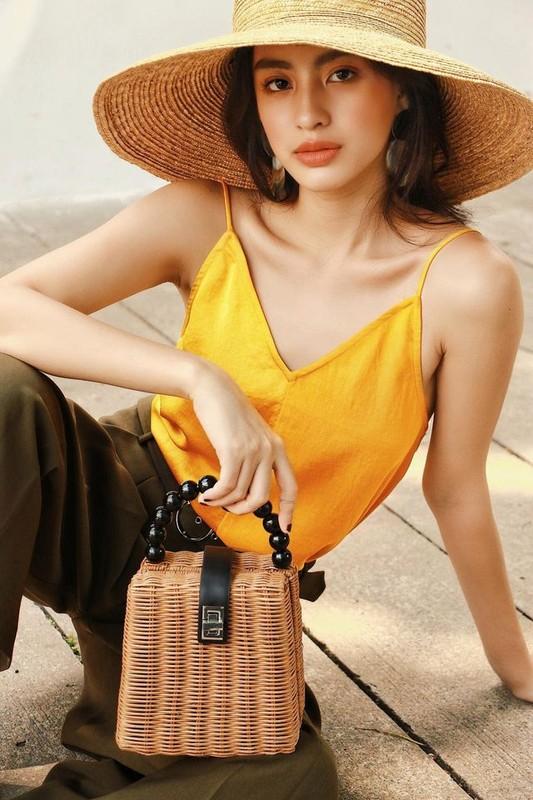 """Hot girl Viet lot """"top 100 guong mat dep nhat the gioi"""" an mac sanh dieu-Hinh-12"""