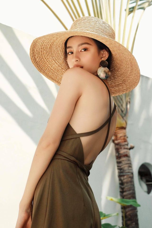 """Hot girl Viet lot """"top 100 guong mat dep nhat the gioi"""" an mac sanh dieu-Hinh-13"""