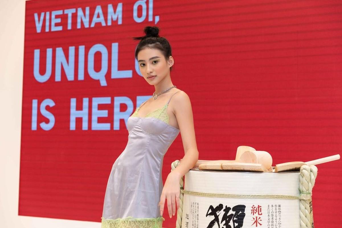 """Hot girl Viet lot """"top 100 guong mat dep nhat the gioi"""" an mac sanh dieu-Hinh-4"""
