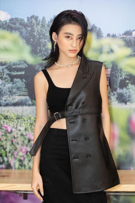 """Hot girl Viet lot """"top 100 guong mat dep nhat the gioi"""" an mac sanh dieu-Hinh-7"""