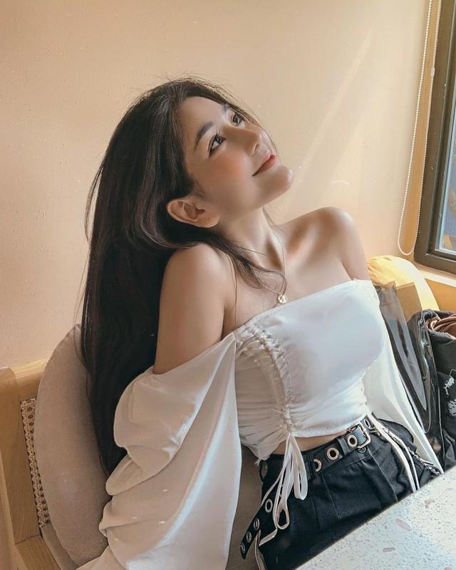 Gu thoi trang nong bong cua hot girl 10X Vo Ngoc Tran-Hinh-3