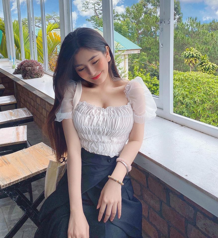 Gu thoi trang nong bong cua hot girl 10X Vo Ngoc Tran-Hinh-9