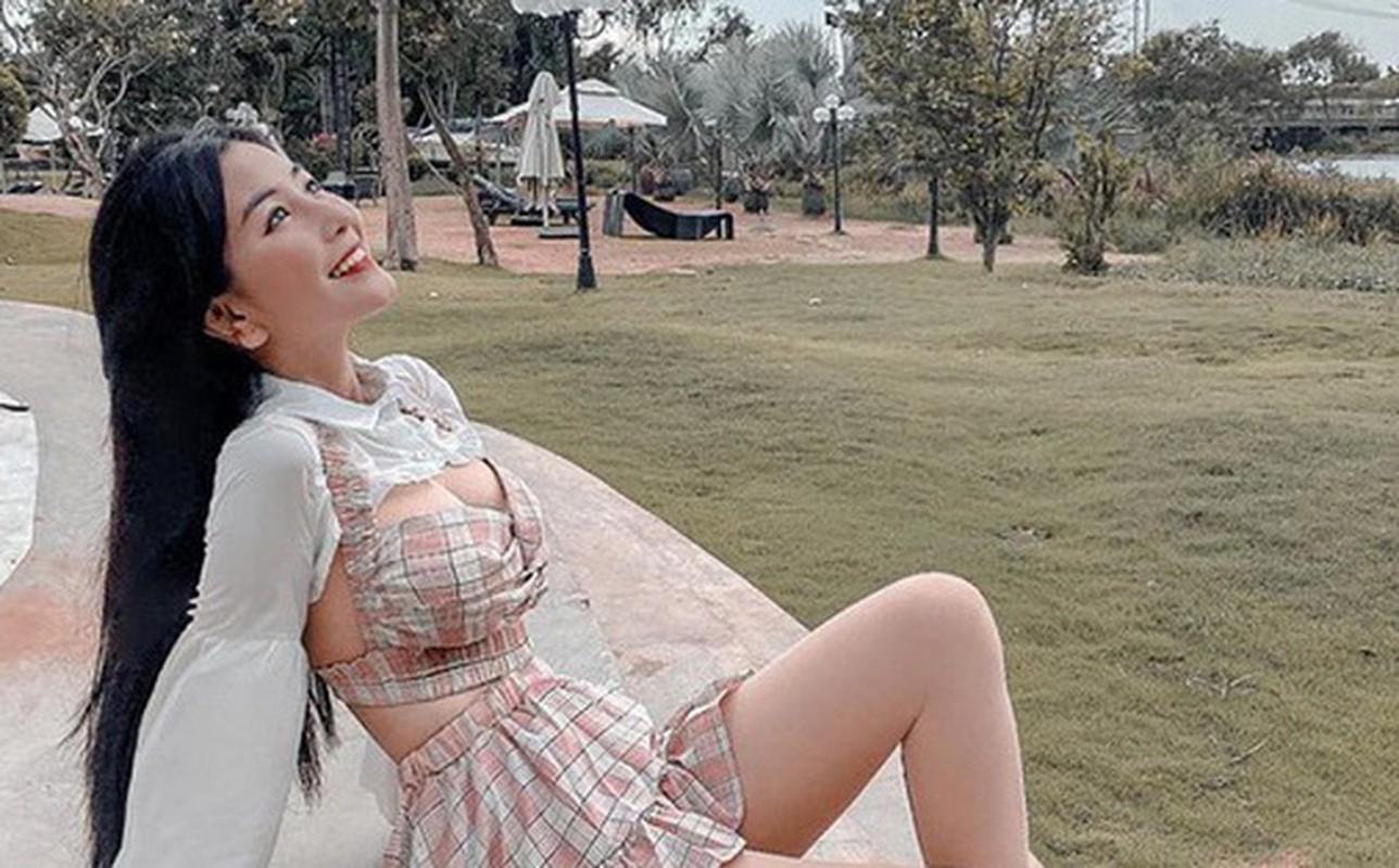 Gu thoi trang nong bong cua hot girl 10X Vo Ngoc Tran