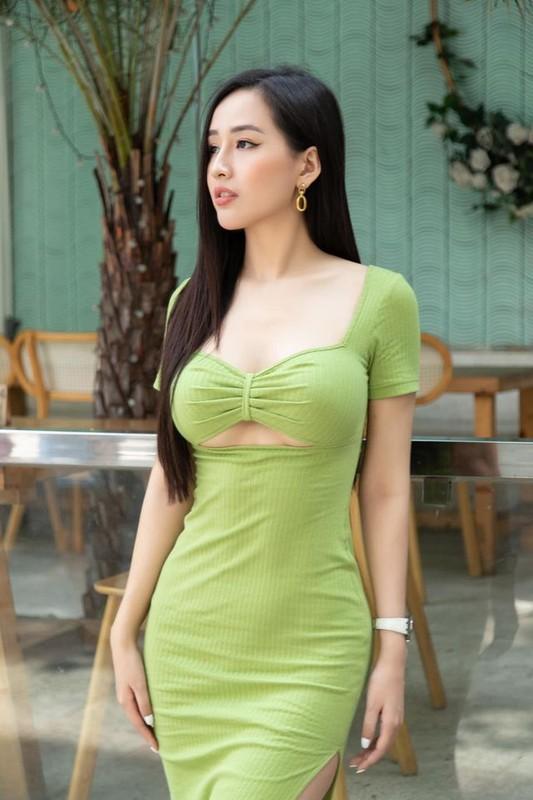 """Mai Phuong Thuy dien dam tre nai khien fan """"nhuc mat""""-Hinh-4"""