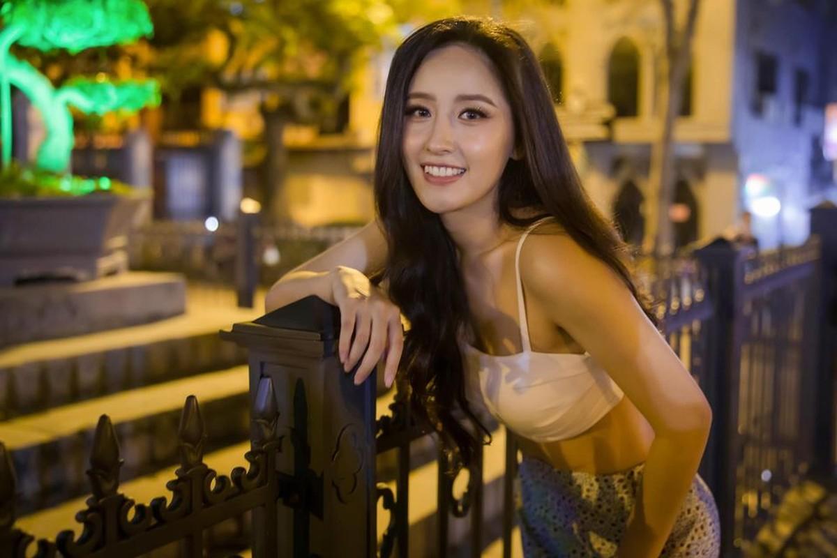"""Mai Phuong Thuy dien dam tre nai khien fan """"nhuc mat""""-Hinh-5"""