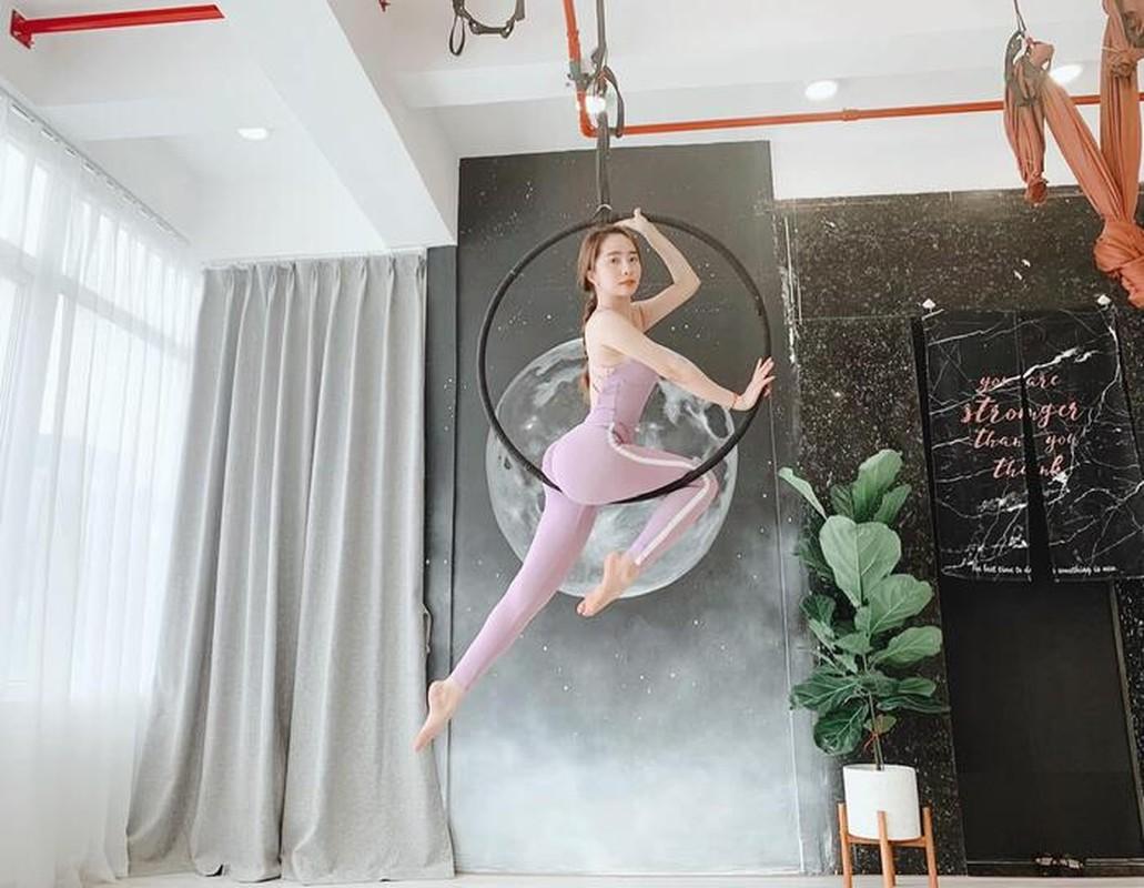 "Tu the yoga goi cam cua sao Viet khien fan ""xit mau mui""-Hinh-2"