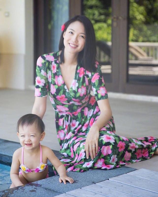 Hoa hau Trung Quoc duy tri voc dang cang tran bang cach…cho con bu-Hinh-5