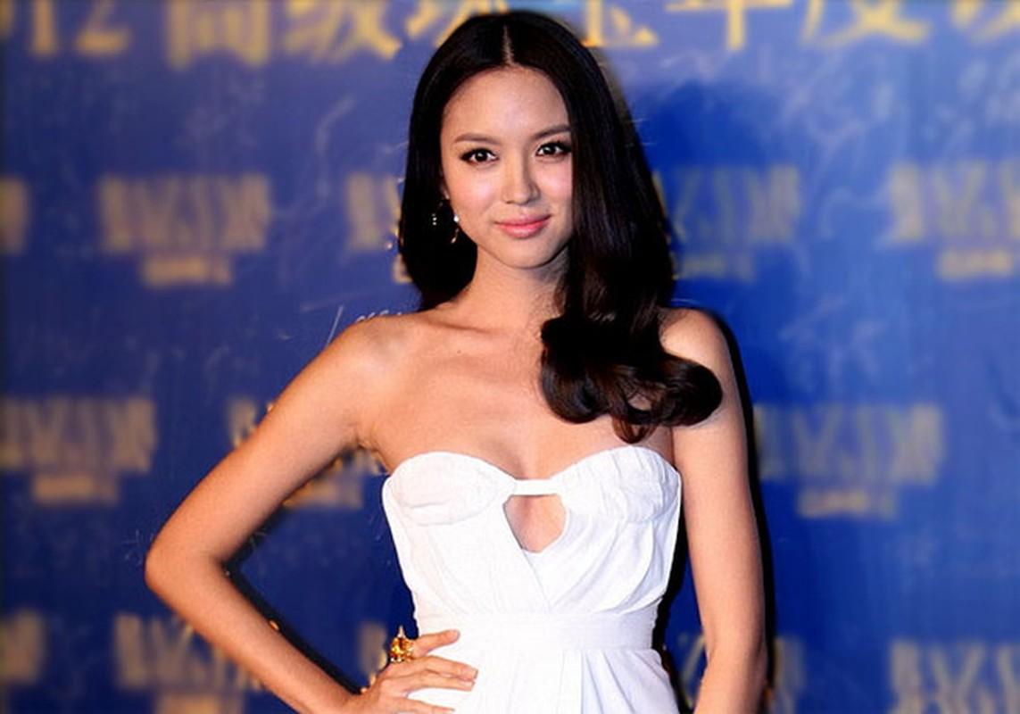 Hoa hau Trung Quoc duy tri voc dang cang tran bang cach…cho con bu