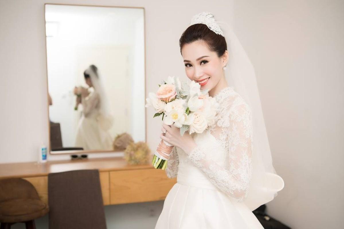Me man chiec vay cuoi xa hoa cua Xoai Non va loat my nhan Viet-Hinh-8