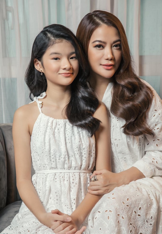 12 tuoi, con gai Truong Ngoc Anh cuc xinh va thich an mac nu tinh-Hinh-4