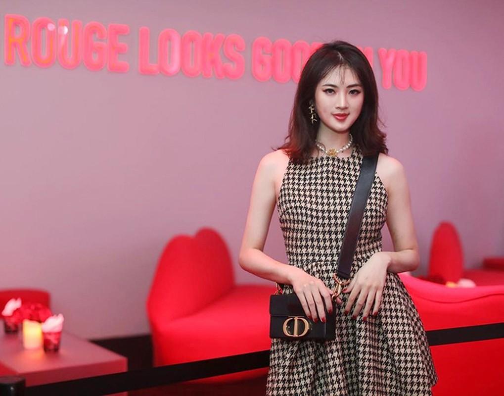 """Ngam gu thoi trang sang chanh cua """"cong chua Huawei""""-Hinh-6"""