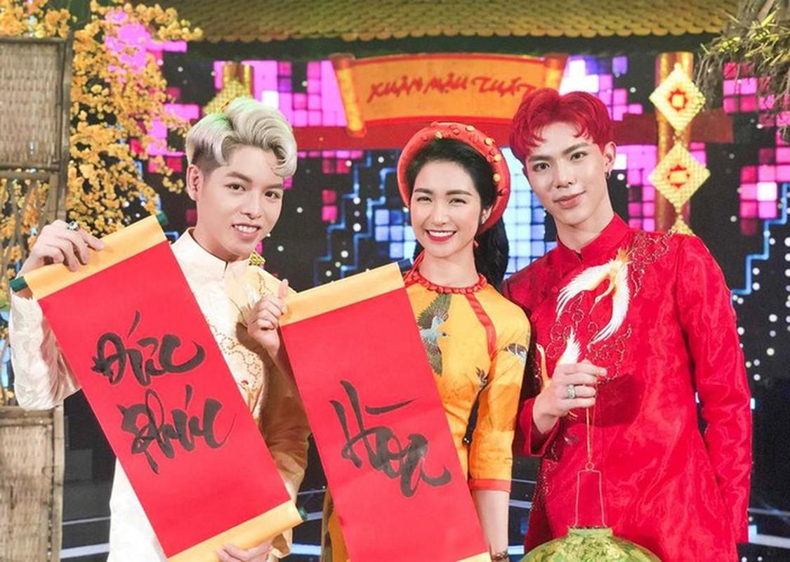 Tinh tre Le Quyen va cac sao nam dien ao dai don Tet cuc nam tinh-Hinh-10