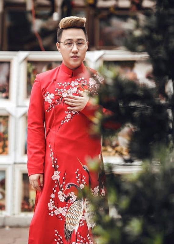 Tinh tre Le Quyen va cac sao nam dien ao dai don Tet cuc nam tinh-Hinh-6