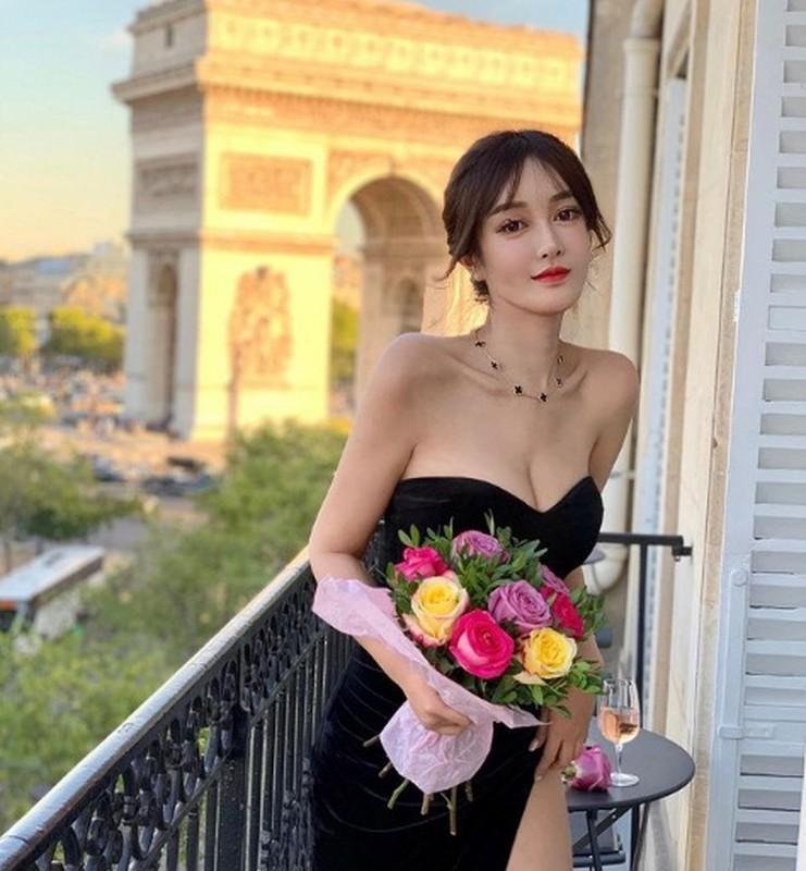 "Hot girl Trung Quoc gay sot mang nho trang phuc sexy khoe nguc ""khung""-Hinh-8"