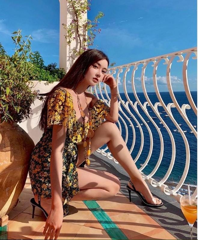 "Hot girl Trung Quoc gay sot mang nho trang phuc sexy khoe nguc ""khung""-Hinh-9"