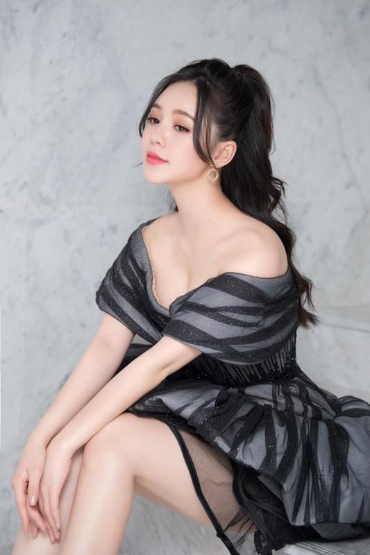 Hot girl dong Huong duong nguoc nang ngoai doi an mac goi cam khong ngo-Hinh-6